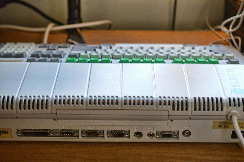 Back of Acorn Archimedes A3010