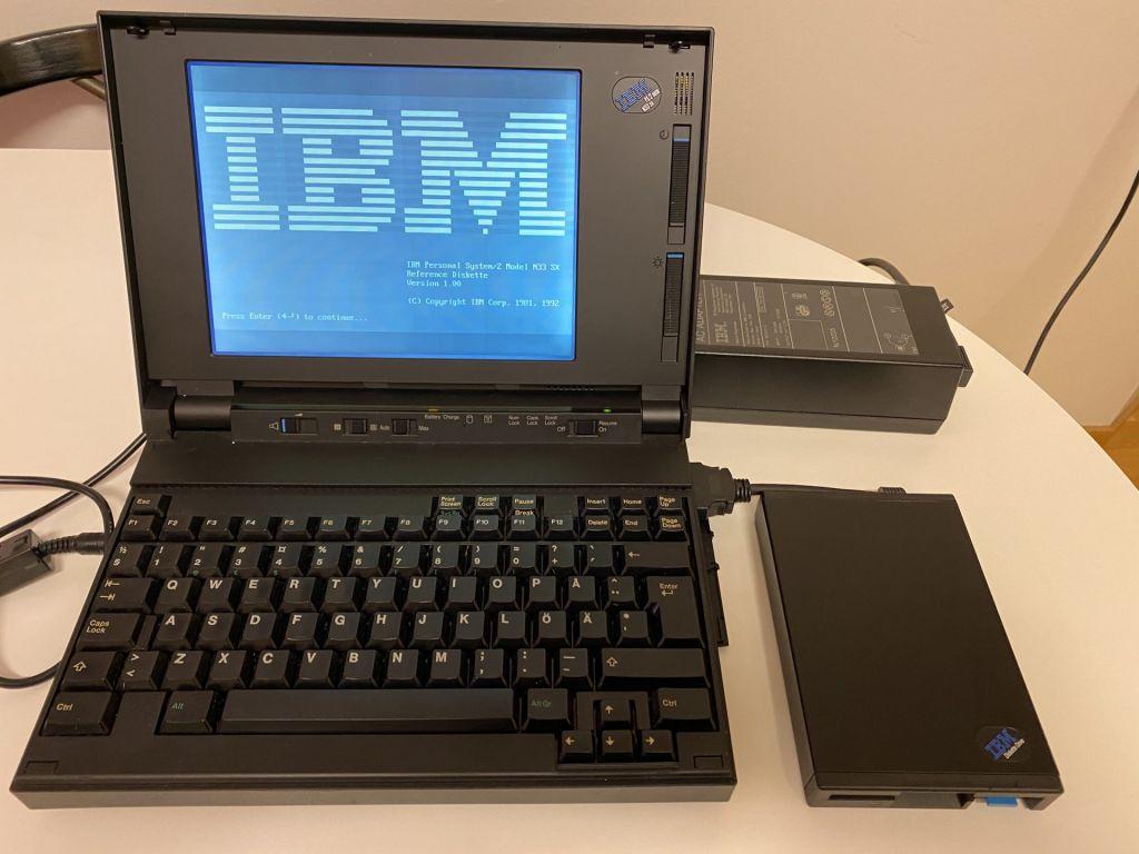 IBM PS/2 N33 Notebook